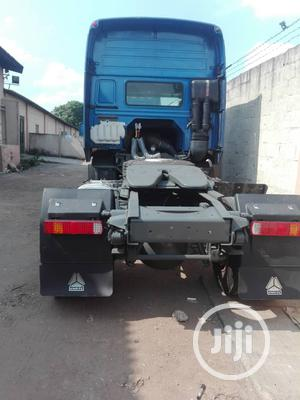 Howo Sinotruck 371hp Trailer Head Single Axle | Trucks & Trailers for sale in Lagos State, Ojodu