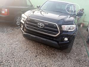 Toyota Tacoma 2016 4dr Double Cab Black | Cars for sale in Oyo State, Ibadan