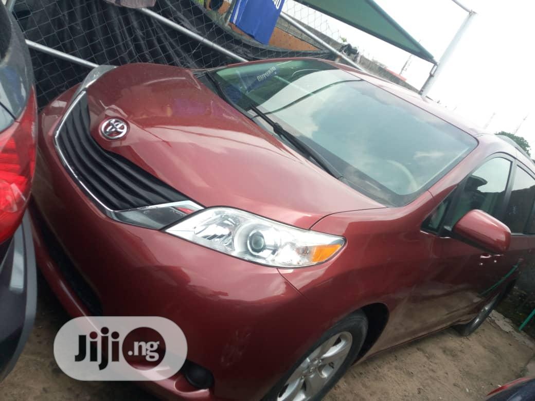 Toyota Sienna 2012 LE 7 Passenger Mobility Red