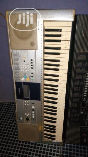 Yamaha Psr E323 Keyboard | Musical Instruments & Gear for sale in Oyo State, Ido