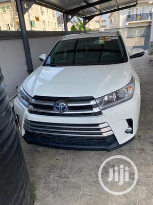 Toyota Highlander 2016 XLE V6 4x2 (3.5L 6cyl 6A) White   Cars for sale in Lagos State, Lekki