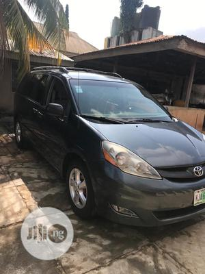 Toyota Sienna 2010 LE 8 Passenger Gray | Cars for sale in Oyo State, Akinyele