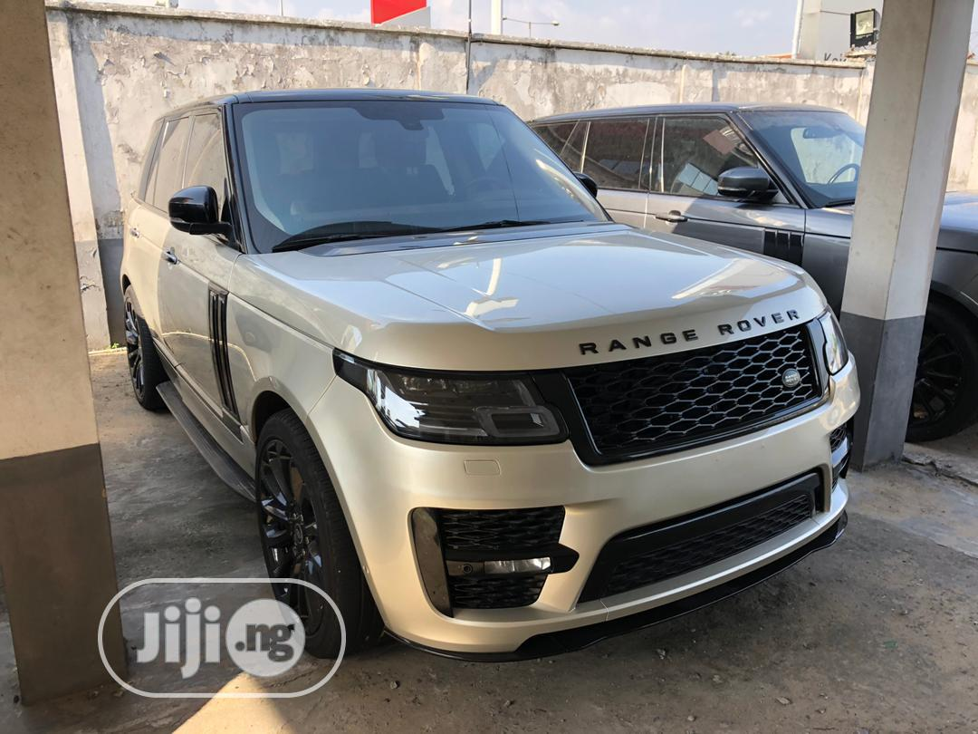 Land Rover Range Rover Vogue 2014 Gold   Cars for sale in Surulere, Lagos State, Nigeria