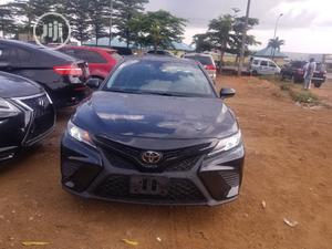 Toyota Camry 2018 SE FWD (2.5L 4cyl 8AM) Black | Cars for sale in Lagos State, Alimosho