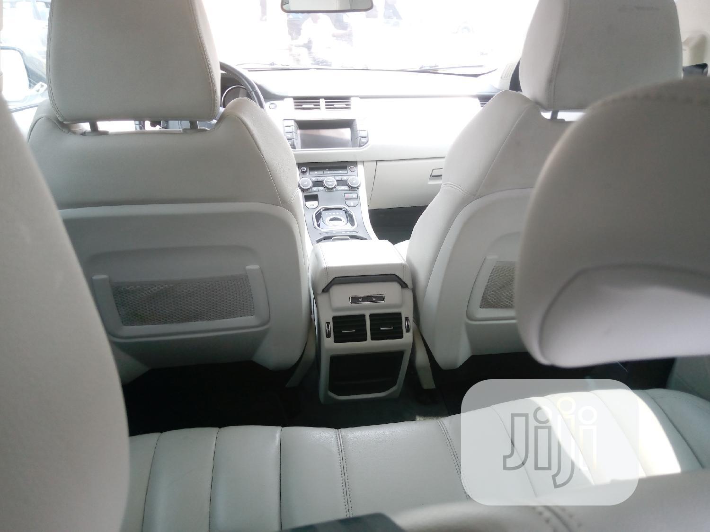 Archive: Land Rover Range Rover Evoque 2015 White