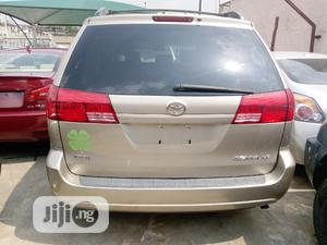 Toyota Sienna 2005 LE AWD Gold | Cars for sale in Lagos State, Apapa