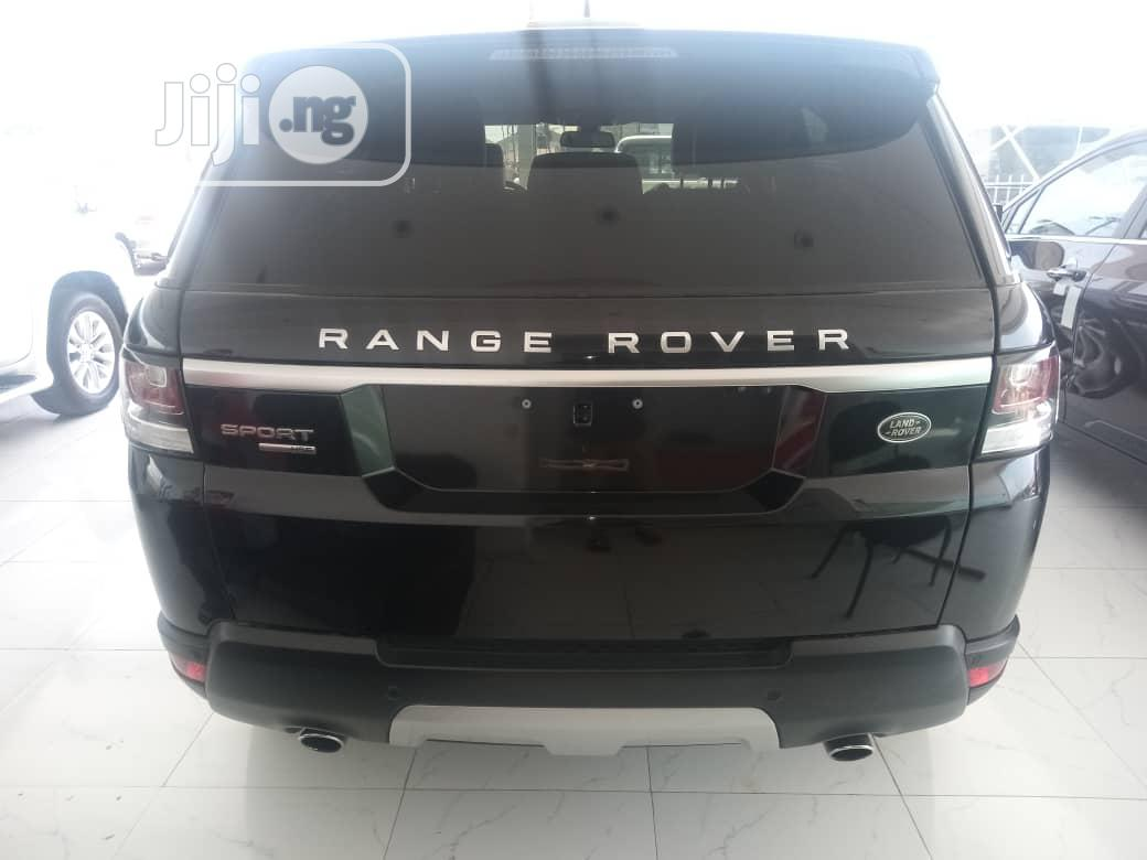 Archive: Land Rover Range Rover Sport 2016 HSE 4x4 (3.0L 6cyl 8A) Black