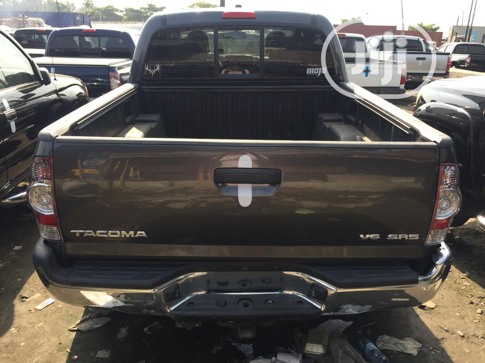 Archive: Toyota Tacoma 2010 Gray