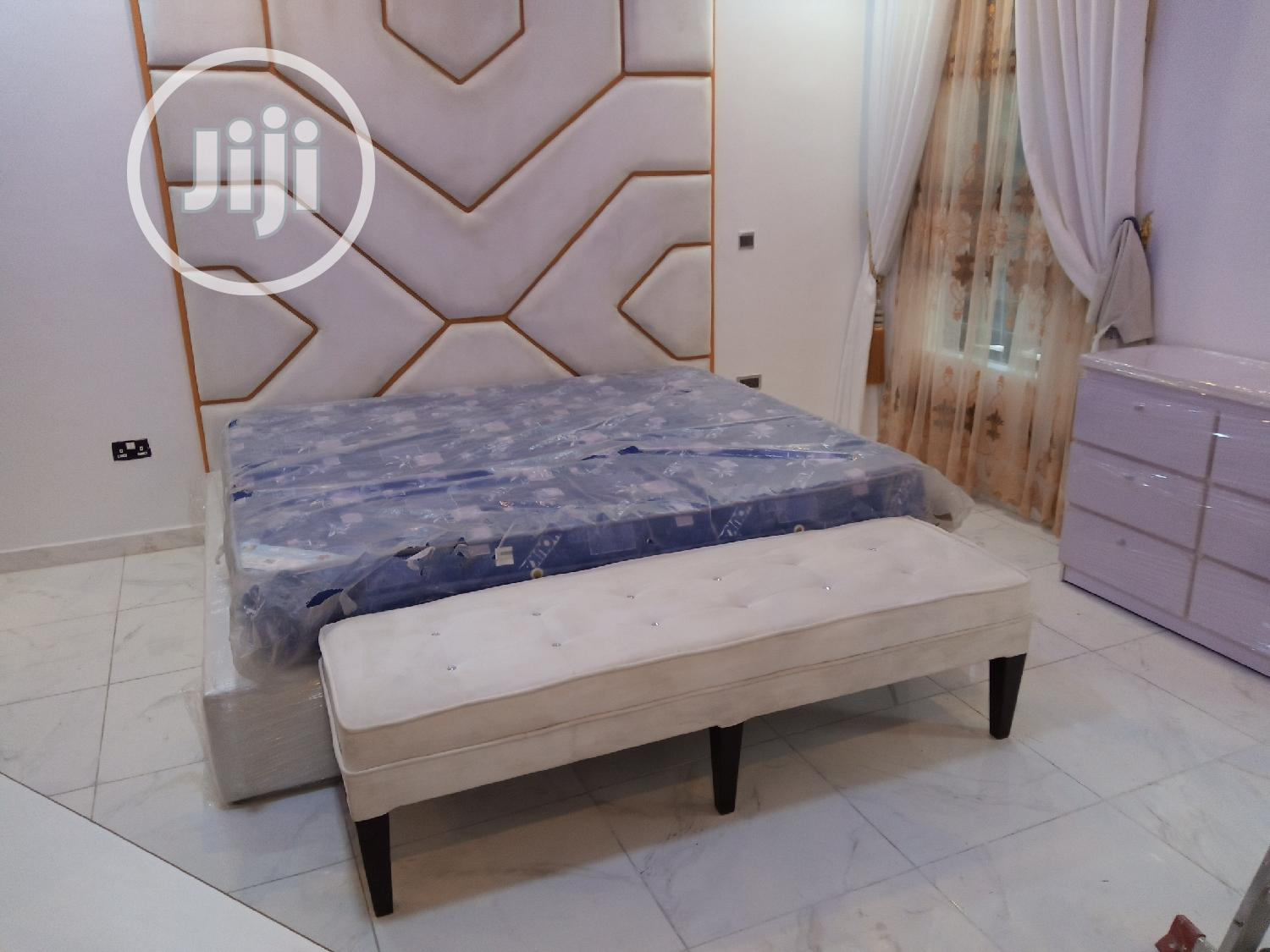 Luxury Bed Frame for Hotel and Room Bed