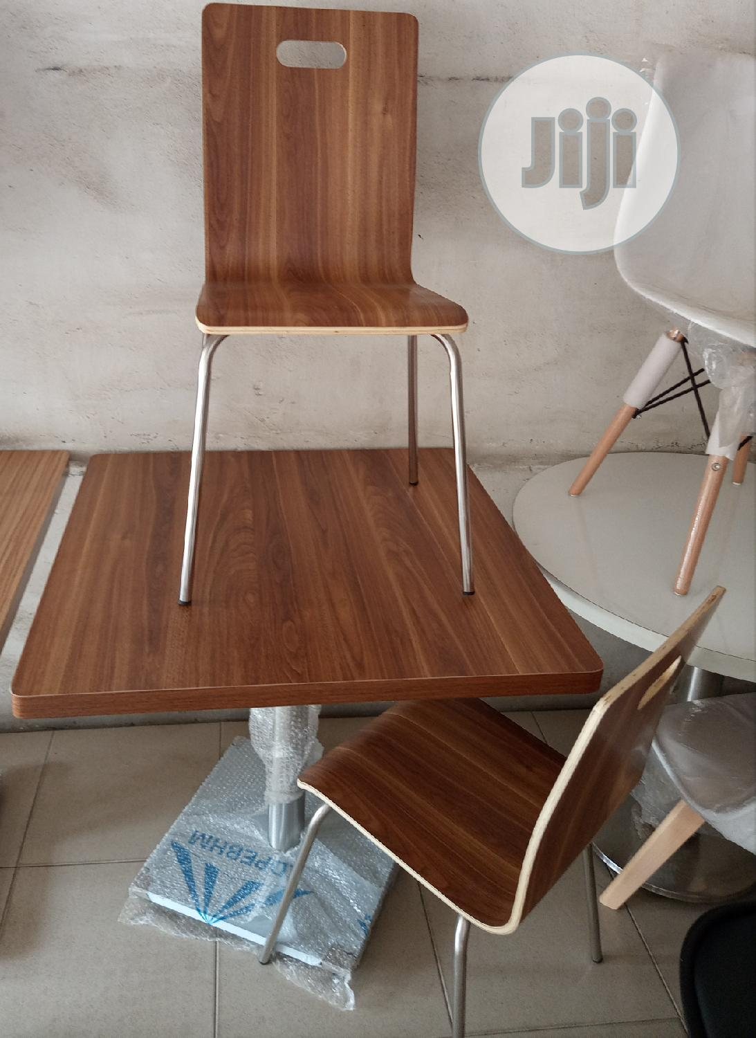 Super Quality Wooden Restaurant/Dinning Table With 4 Chairs