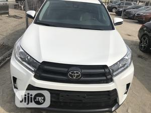 Toyota Highlander 2018 XLE 4x4 V6 (3.5L 6cyl 8A) White | Cars for sale in Lagos State, Ajah