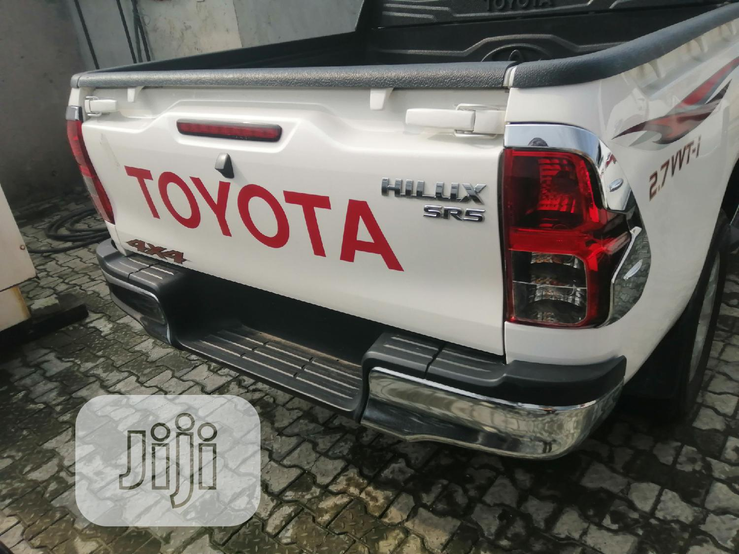 Archive: New Toyota Hilux 2019 White