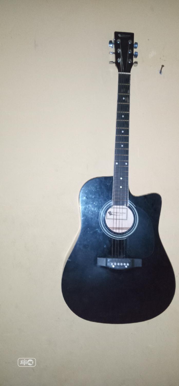 Accustic/Electric Guitar