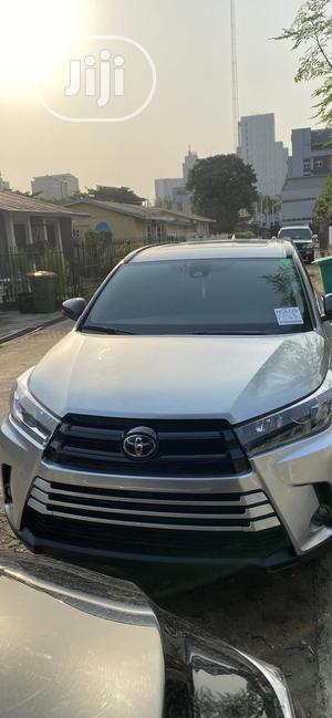 Toyota Highlander 2019 SE Silver | Cars for sale in Lagos State, Victoria Island