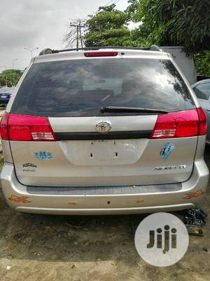 Toyota Sienna 2005 CE Gold   Cars for sale in Lagos State, Amuwo-Odofin