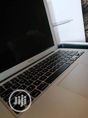 Laptop Apple MacBook 2017 8GB Intel Core I5 SSHD (Hybrid) 128GB | Laptops & Computers for sale in Lagos State, Ajah