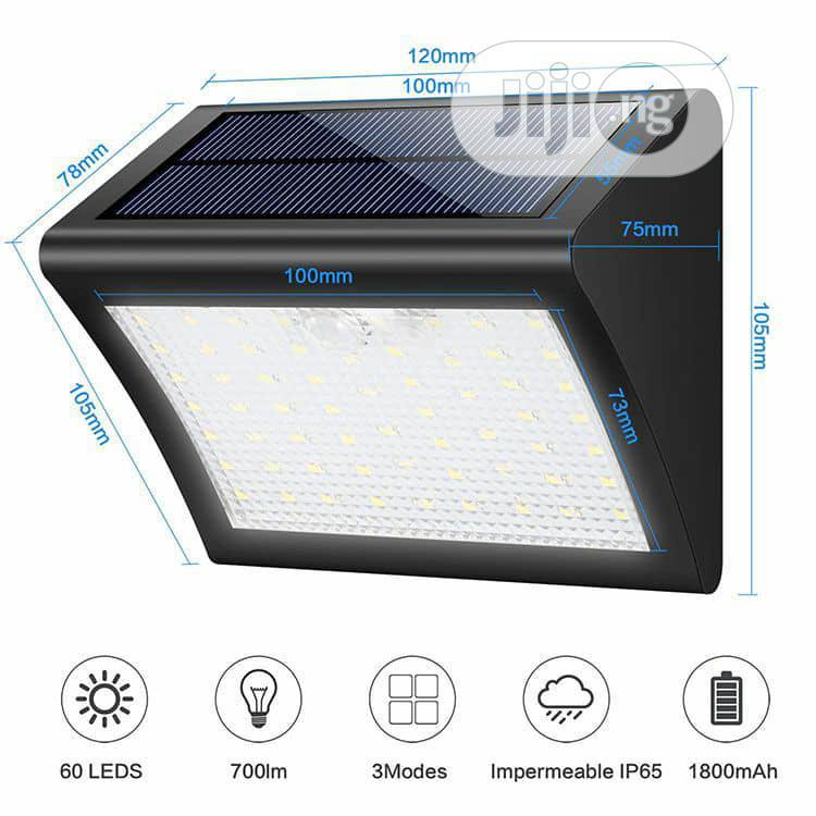 Solar Motion Sensor Light - 60 Leds