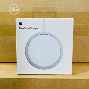 Apple Magsafe Magnetic Wireless Charger   Accessories for Mobile Phones & Tablets for sale in Lagos State, Ikeja
