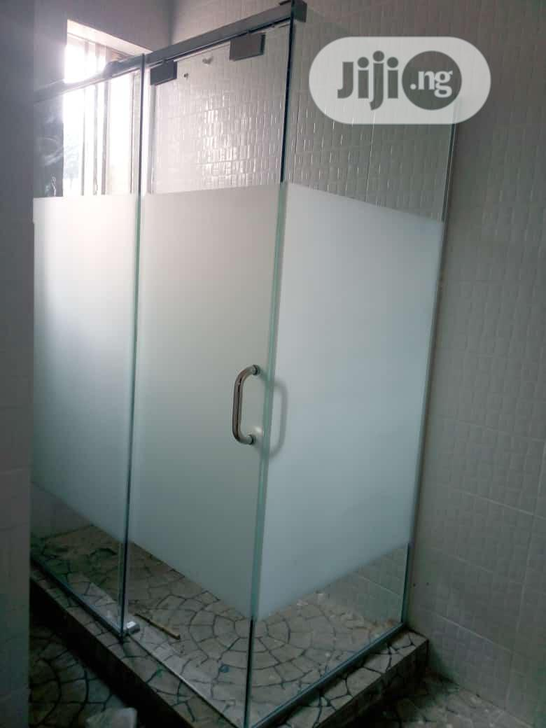 10mm Glass Shower Cubicle