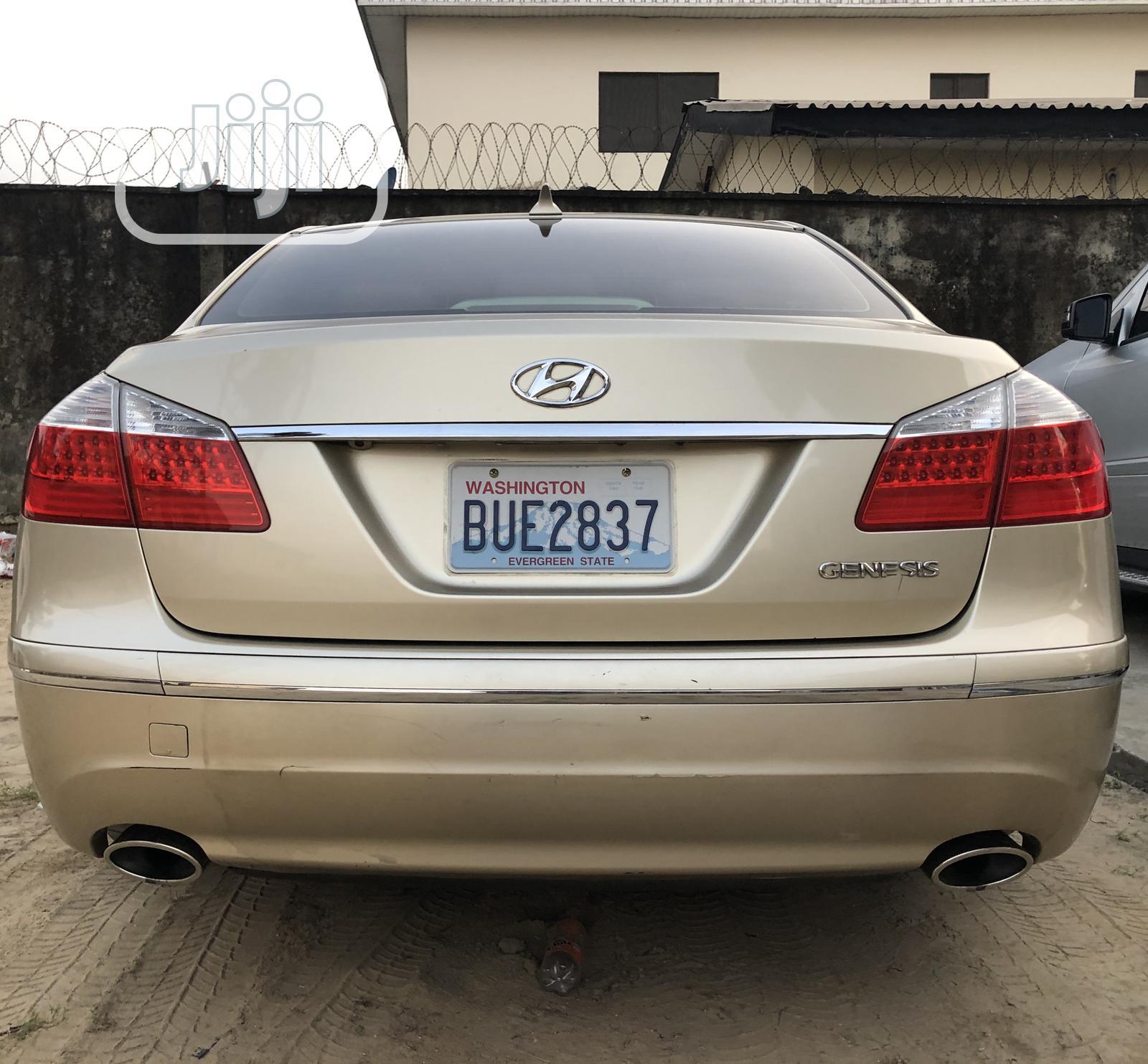 Archive: Hyundai Genesis 2009 3.8L Gold