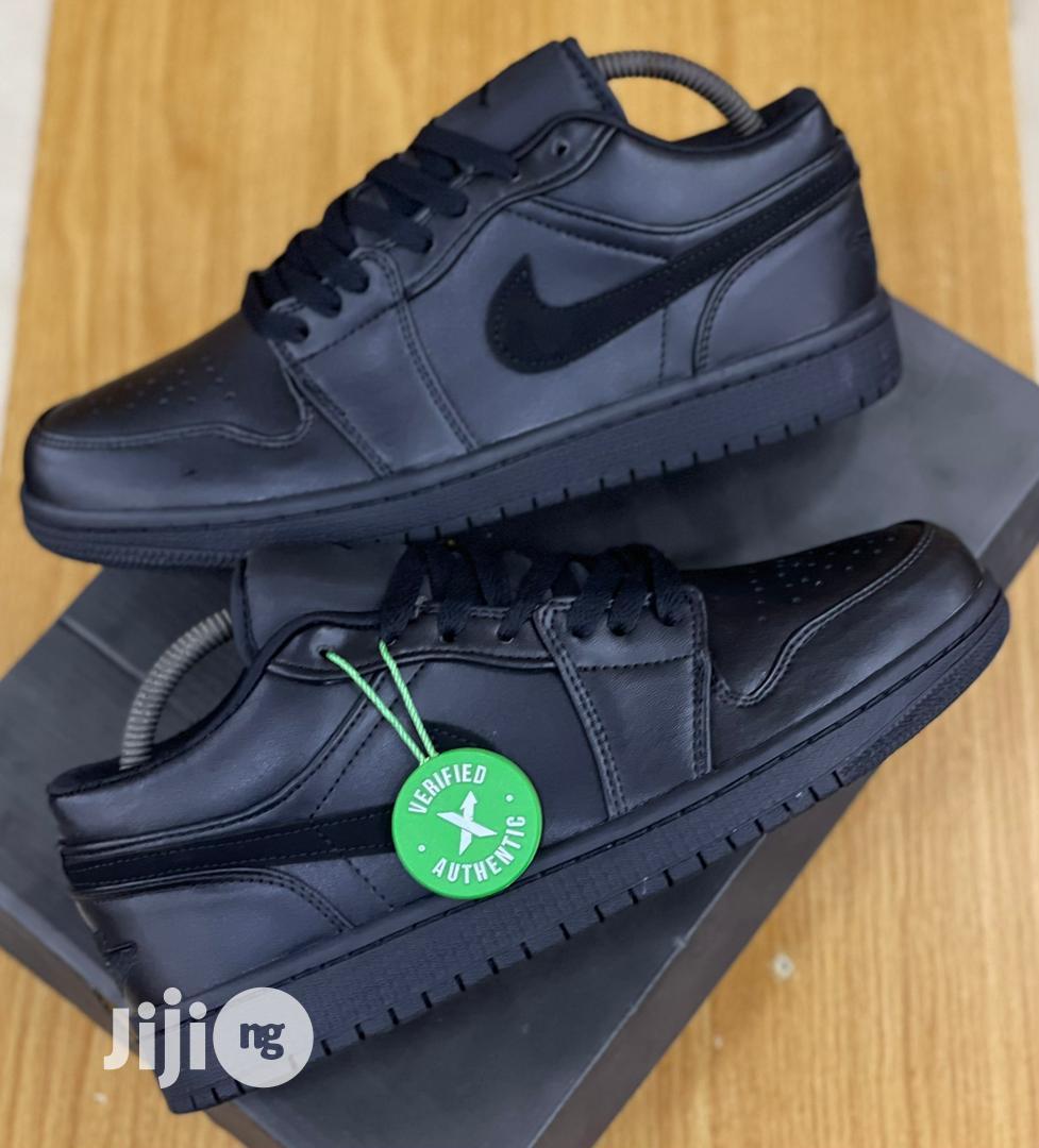 Nike Air Jordan 1 Low Triple Black Sneakers Original