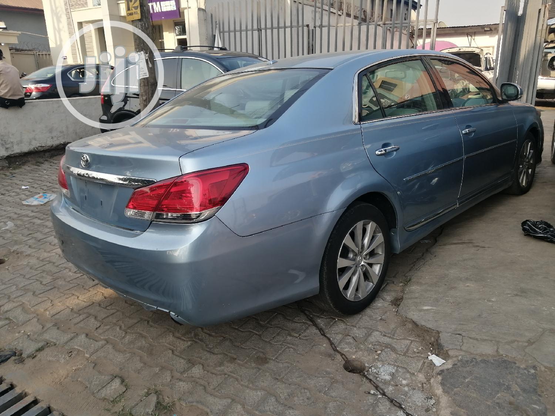 Archive: Toyota Avalon 2012