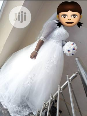 Size 12 Pre-Owned Wedding Gown for Sale | Wedding Wear & Accessories for sale in Lagos State, Ikorodu