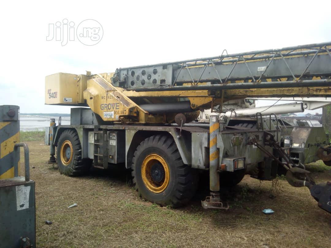 35 Ton Grove Crane 2009