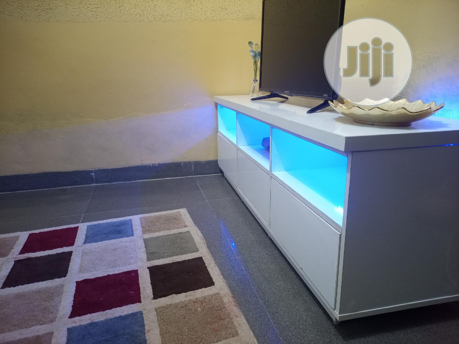 White Tv Stand With Light | Furniture for sale in Ogba, Lagos State, Nigeria