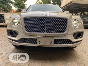 New Bentley Bentayga 2019 W12 AWD Gold   Cars for sale in Abuja (FCT) State, Central Business District