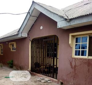 For Sale 4bedroom Bungalow At Marret St Off Cannal Rd Yaba | Houses & Apartments For Sale for sale in Yaba, Saint Agnes