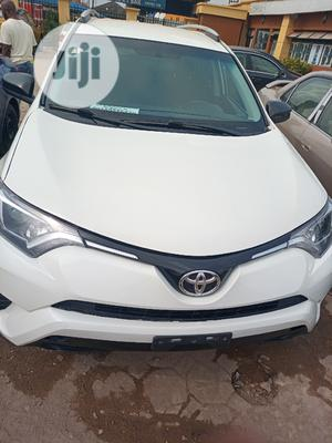 Toyota RAV4 2016 LE FWD (2.5L 4cyl 6A) White | Cars for sale in Lagos State, Isolo