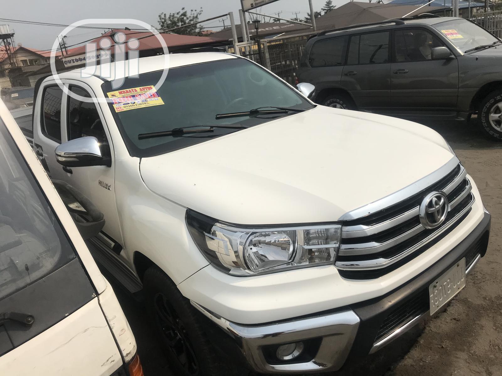 Toyota Hilux 2017 TRD White 4x4 White