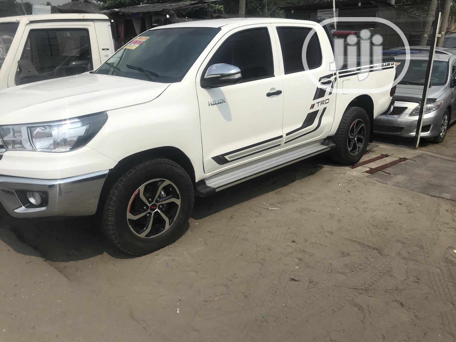 Toyota Hilux 2017 TRD White 4x4 White   Cars for sale in Lekki, Lagos State, Nigeria