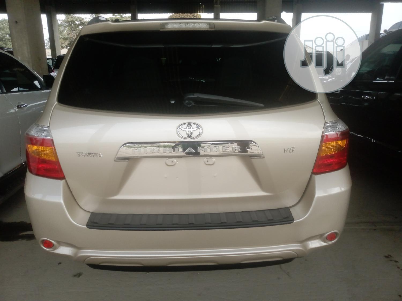 Archive: Toyota Highlander 2008 Limited Gold