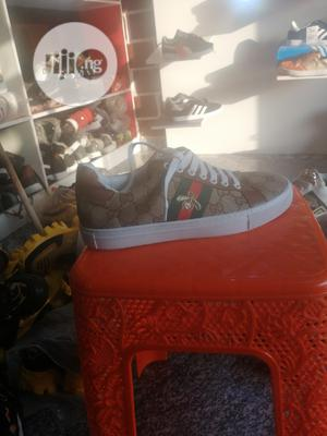 Flat Classy Sneakers At Good Price   Shoes for sale in Abuja (FCT) State, Dutse-Alhaji