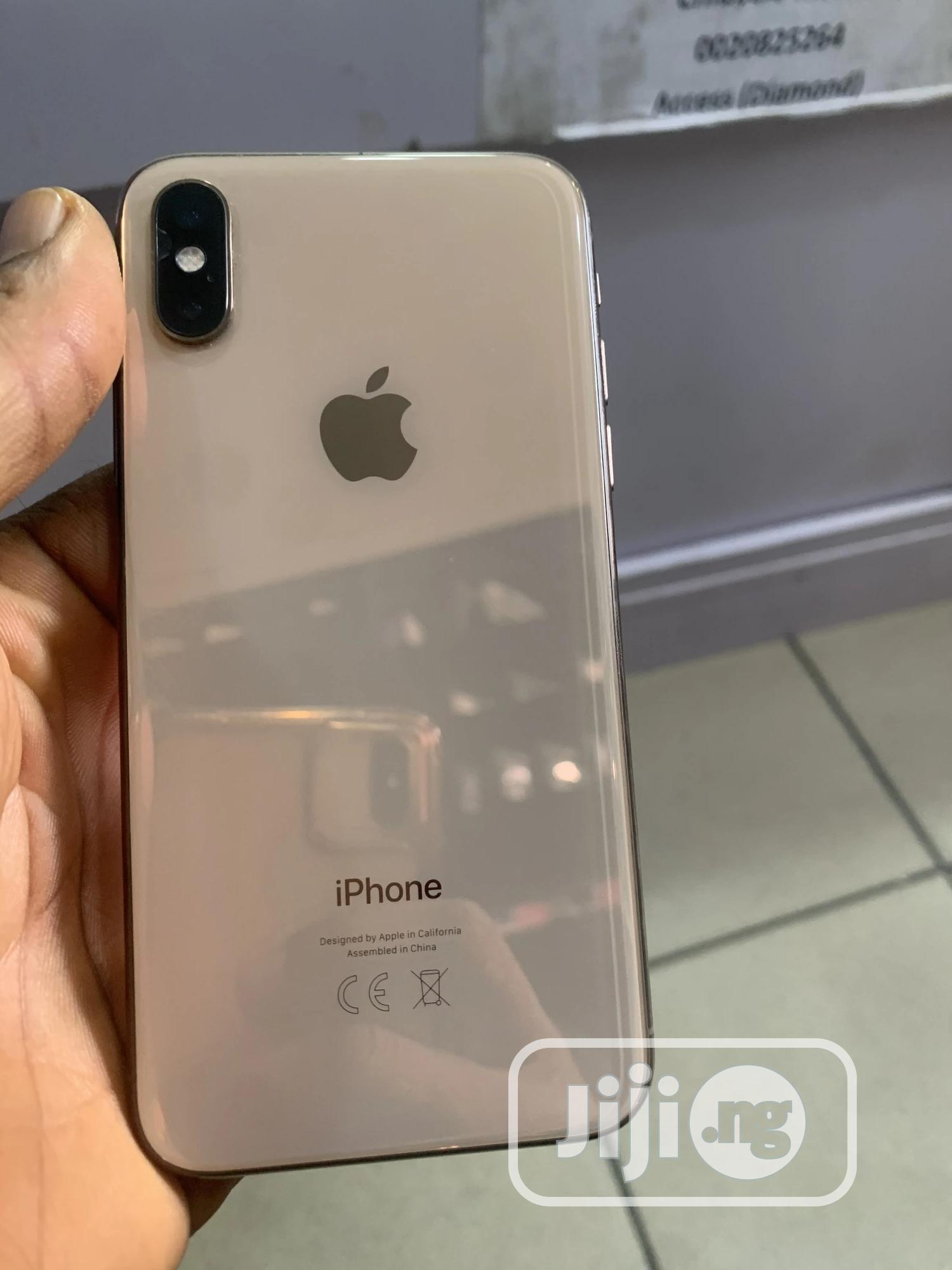 Apple iPhone XS 64 GB Gold