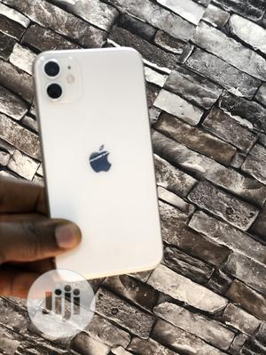 Apple iPhone 11 64 GB White   Mobile Phones for sale in Lagos State, Ikeja