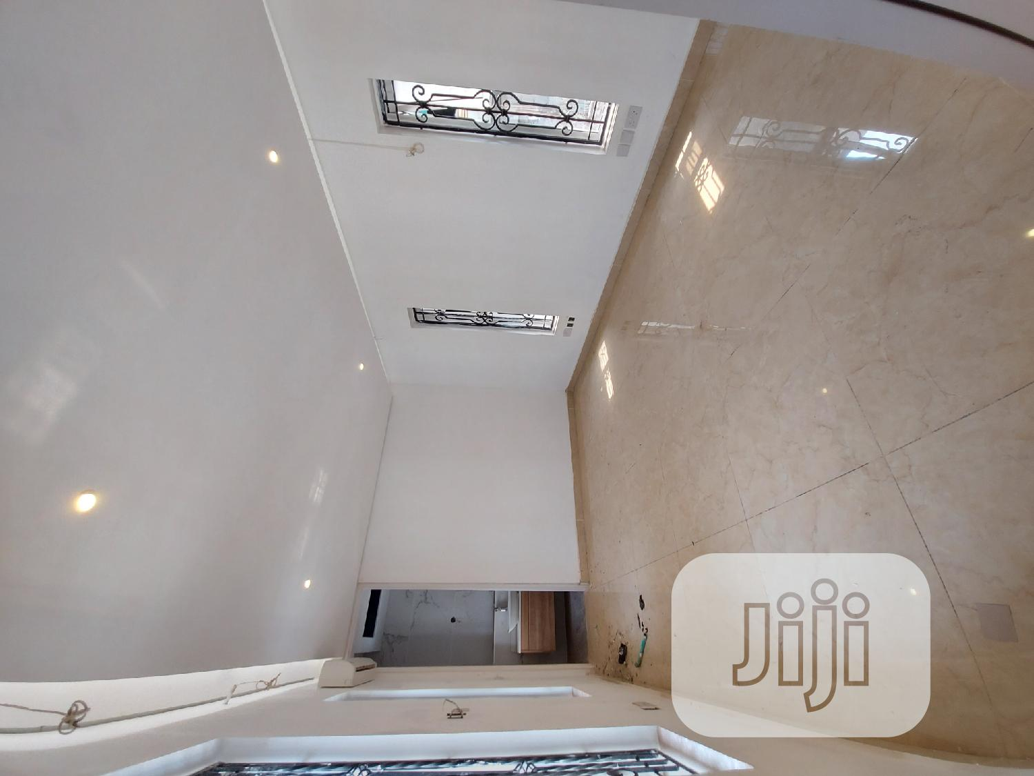 Archive: Furnished 5bdrm Duplex in Banana Island, Ikoyi for Sale