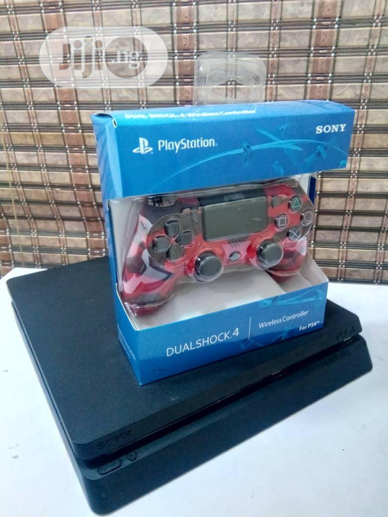 Playstation 4 Slim + 3 Games and 5 Trial Games