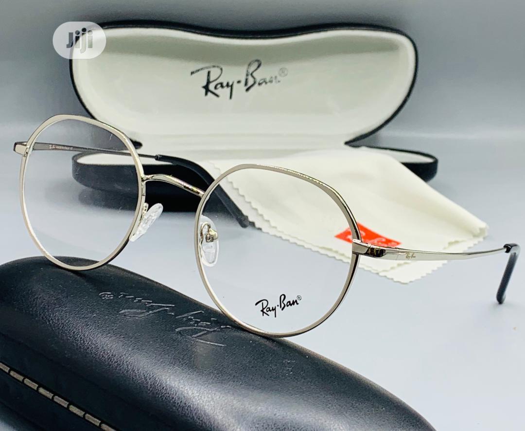 Ray-Ban Glass