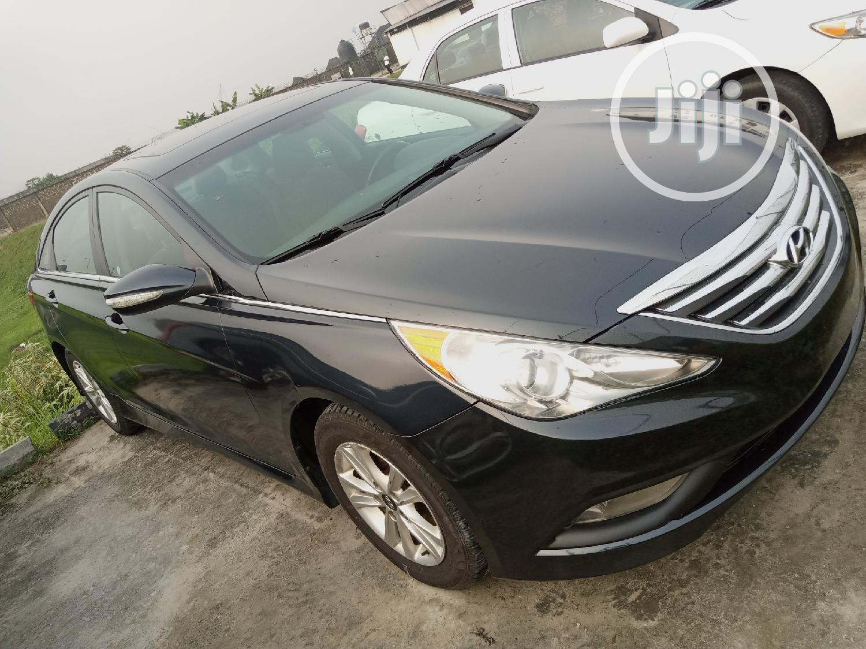 Archive: Hyundai Sonata 2014 Black