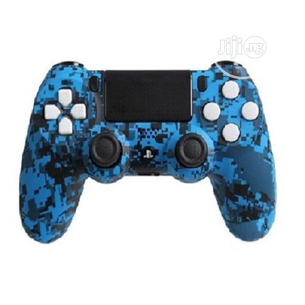 PLAYSTATION 4 CONTROLLER Blue Urban