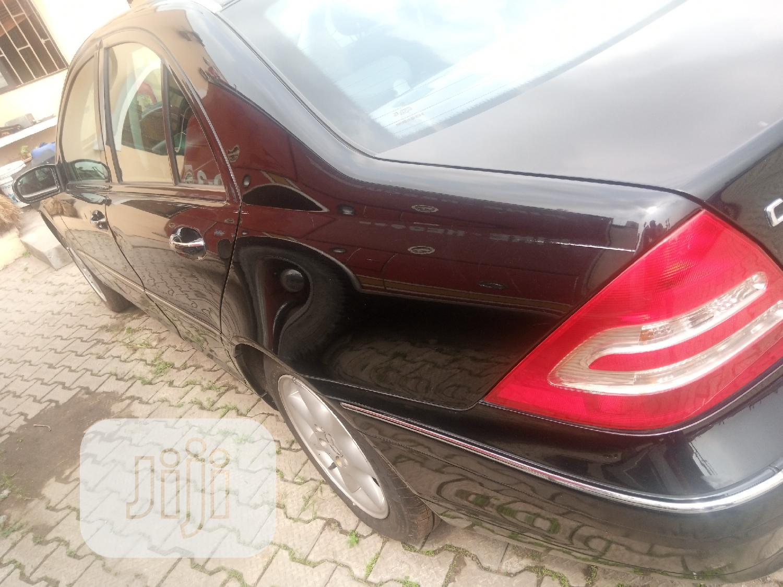 Archive: Mercedes-Benz C240 2002 Blue