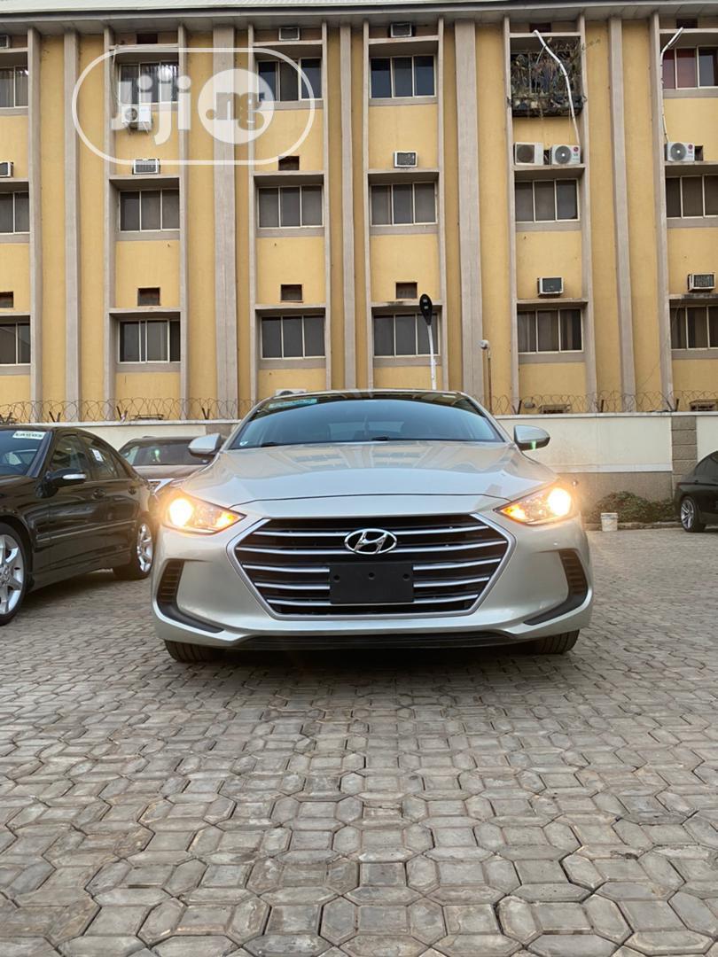 Hyundai Elantra 2017 Silver