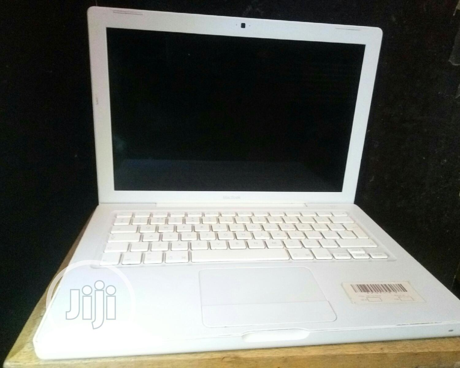 Laptop Apple MacBook 2GB Intel Core 2 Duo SSD 128GB | Laptops & Computers for sale in Agege, Lagos State, Nigeria