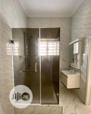 10mm Glass 1200x900cm Shower Cubicle | Building Materials for sale in Lagos State, Orile