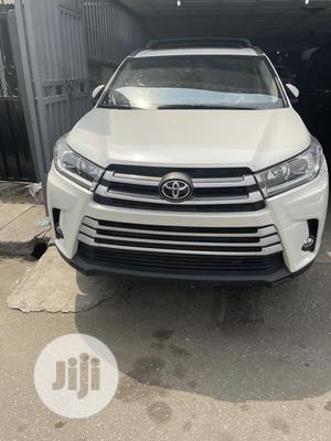 Toyota Highlander 2017 White   Cars for sale in Lagos State, Surulere
