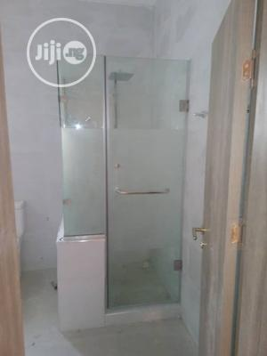 Enclosed 10mm Glass Shower Cubicle | Plumbing & Water Supply for sale in Abuja (FCT) State, Apo District