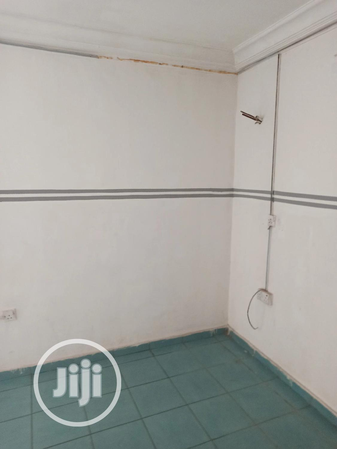 Spacious Single Room Office Space for Rent | Event centres, Venues and Workstations for sale in Wuse 2, Abuja (FCT) State, Nigeria